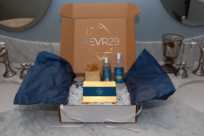 4EVR29 Monthly Subscription Box - Beautiful You Delivered  Photo 1