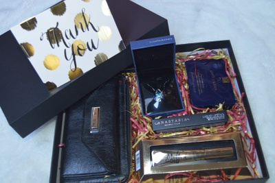 FashionableBeauty- Monthly Women's Lifestyle Box Photo 1