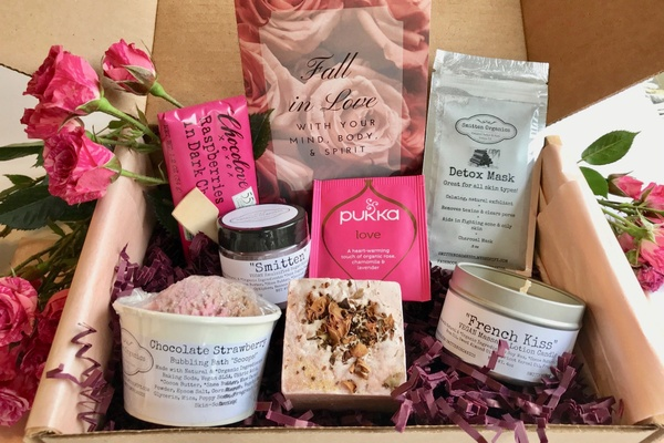 cae8de9aa 7 Best Period Subscription Boxes You Totally Deserve