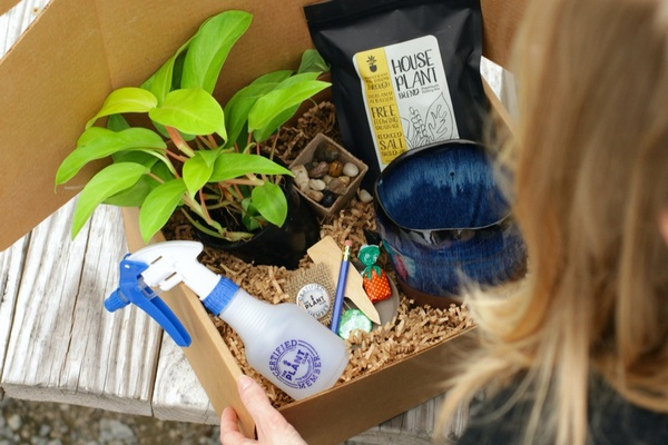The Plant Club sends plants and plant related goods.