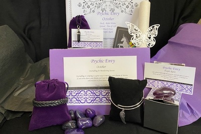 Psychic Envy - Tarot Reading Subscription Box Photo 1