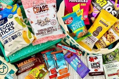 SnackSack subscription snack box to send as pregnancy gifts for first time Moms