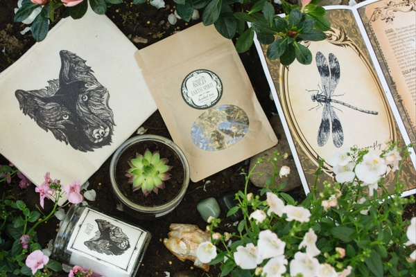 16 Best Witch Subscription Boxes for Spiritual Tools | Cratejoy