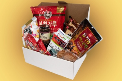 The Discovery Box - Monthly Food & Snacks Subcrsiption Box Photo 1