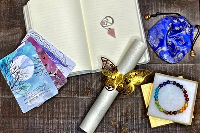 Psychic Envy - Tarot Reading Subscription Box Photo 3